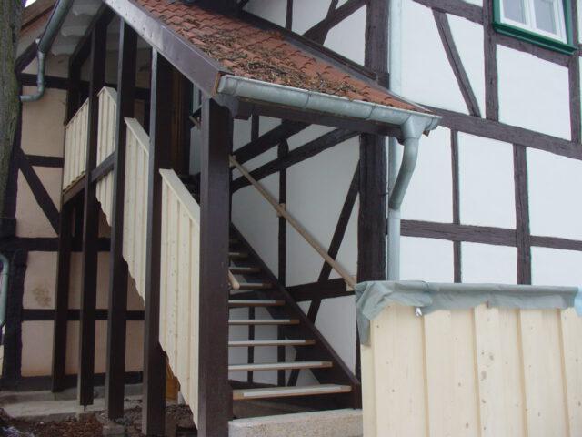 Treppe mit Eingang